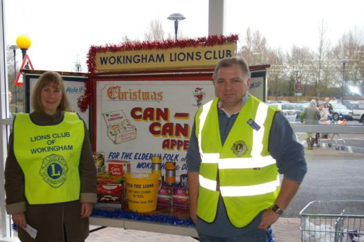 Lions collecting cans for Can Can appeal outside Tesco Wokingham
